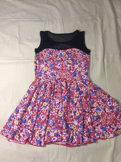 🏷 NEW Floral Dress - Medium to Large