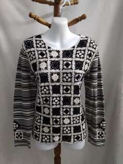 Very elegant handmade knitted top from japan
