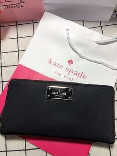 🚚 《急售降價》Kate spade 金屬標牌尼龍長夾
