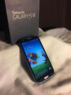 *Unlocked* USED in Box Samsung Galaxy S3 with case! O.B.O.