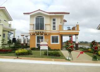 Affordable American House In Cavite