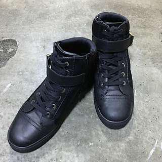 🚚 ALDO休閒鞋