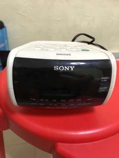 Sony Alarm with FM radio