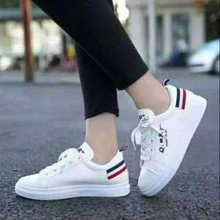 Sepatu kets cewe Qi & Sc putih