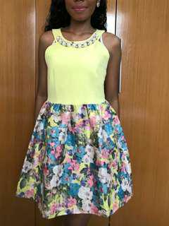 Dress kuning motif bunga