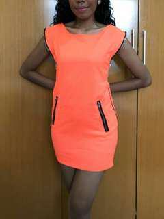 Dress atau atasan orange. New.