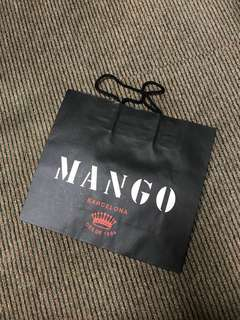 🚚 MANGO 紙袋