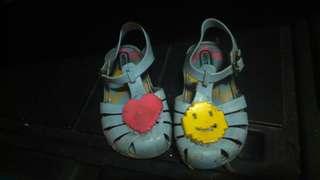 Preloved shoes  (girls\boys)