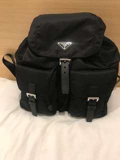 (6月21-26 倫敦代購) Prada Backpack 有黑色 藍色 「6月26晚上11:59pm截單」