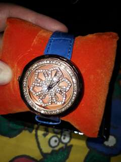 Bling Bling Ladies watch (No brand)