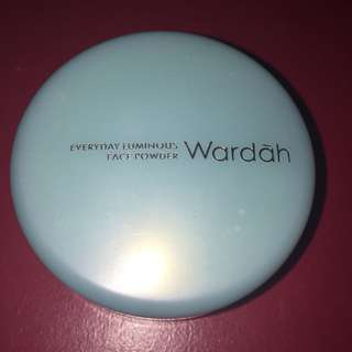 Wardah Everyday Luminous Face Powder - 01 Light Beige