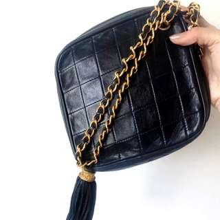 Vintage Chanel黑色羊皮鑽石形流蘇chain bag