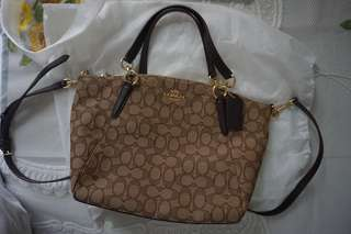 COACH SMALL KELSEY SIGNATURE
