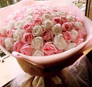 99 rose bouquet of mixed pink and white