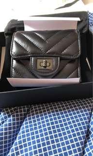 Chanel 黑色山形紋小型銀包
