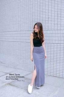 SKIRT TERNO  💋Top & Slit Skirt Terno 💫Woolen cotton top 💫Special blend cotton bottom 💫Garter waist 💫Side slit design of skirt 💫Free size fits up to L 💫Single color 💫Good quality  Price : 390