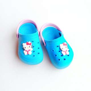 BABY CROCS-INSPIRED SHOES SIZE 12.5 CM (HELLO KITTY COLOR BLUE)