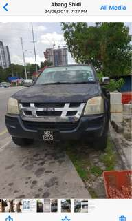 Isuzu D'Max 2.5 liter manual black