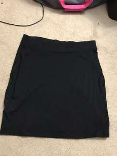 H&M Black Fitted Skirt