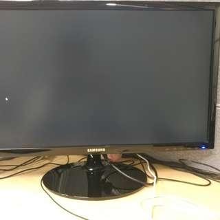 Dual Samsung LED monitor S24D300
