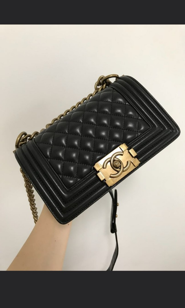 40df5faaf970 100% Authentic Chanel Lambskin Quilted Small Boy Flap bag, Luxury, Bags &  Wallets on Carousell