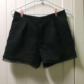 🚚 黑色素面 短褲