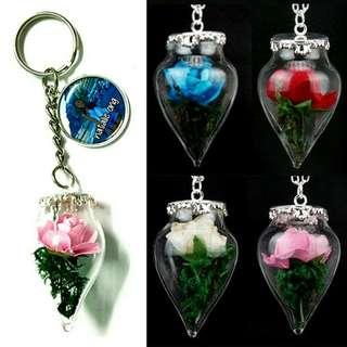 🚚 Customized rose keychains