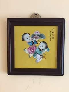 精緻瓷畫[高級工藝美術師:張中君作品(人和家興)]:如相片所示