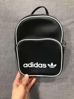 🚚 Adidas小後背包 95%new