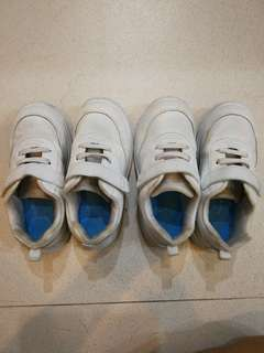 White school shoes B First size 19