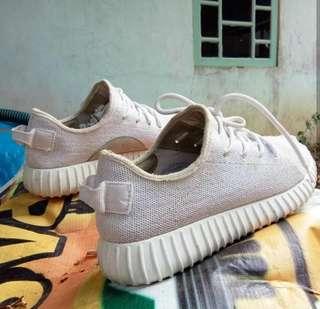 Sepatu adidas yzy no 40