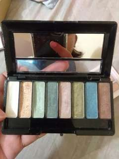 Avon 8-in-1 eyeshadow palette