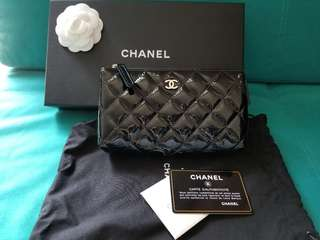 Chanel black patent pouch 漆皮clutch