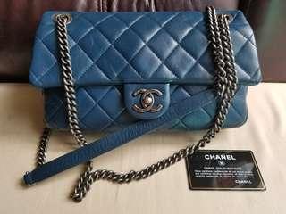 平售Chanel 深藍色復古牛皮復古鏈袋calfskin with vintage hardware