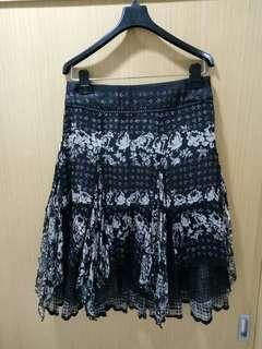 🚚 九景服飾 100%桑蠶絲黑色印花裙子(165)