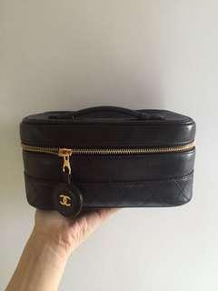 Chanel 化妝袋 附長鏈