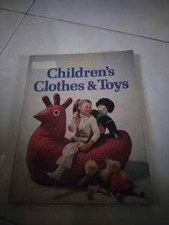 Buku baju dan mainan anak