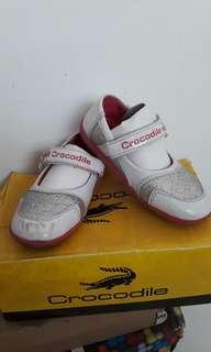 Sepatu crocodile size 26