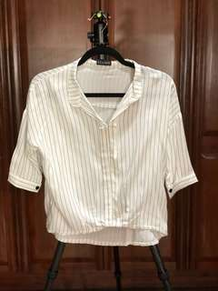 White 3/4 collar blouse with vertical stripe