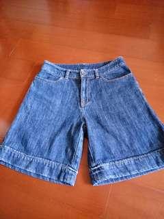 🚚 中腰藍色牛仔短褲