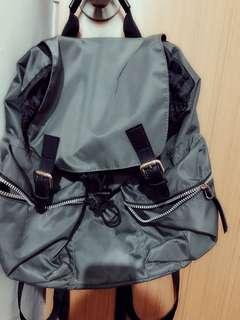🚚 🎉GU專櫃購入 軍綠色後背包