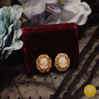 60年代12K包金雕貝殼浮雕cameo螺絲型耳環