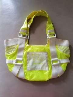 Diesel 黃色螢光手袋