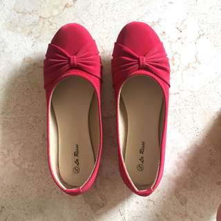 Red flat shoes 39