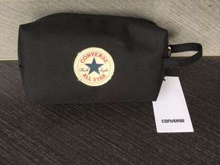 Converse multipurpose case with zip