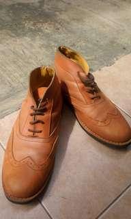 Sepatu second branded