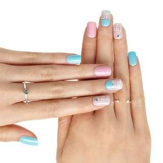 🚚 Dashing diva Press On nails-Cotton Tweed