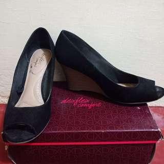Formal Elevated Sandals