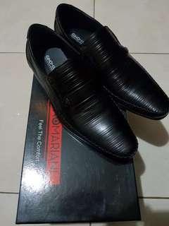 Sepatu pantofel Gino mariani
