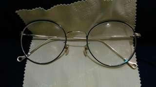 Kacamata minus vintage
